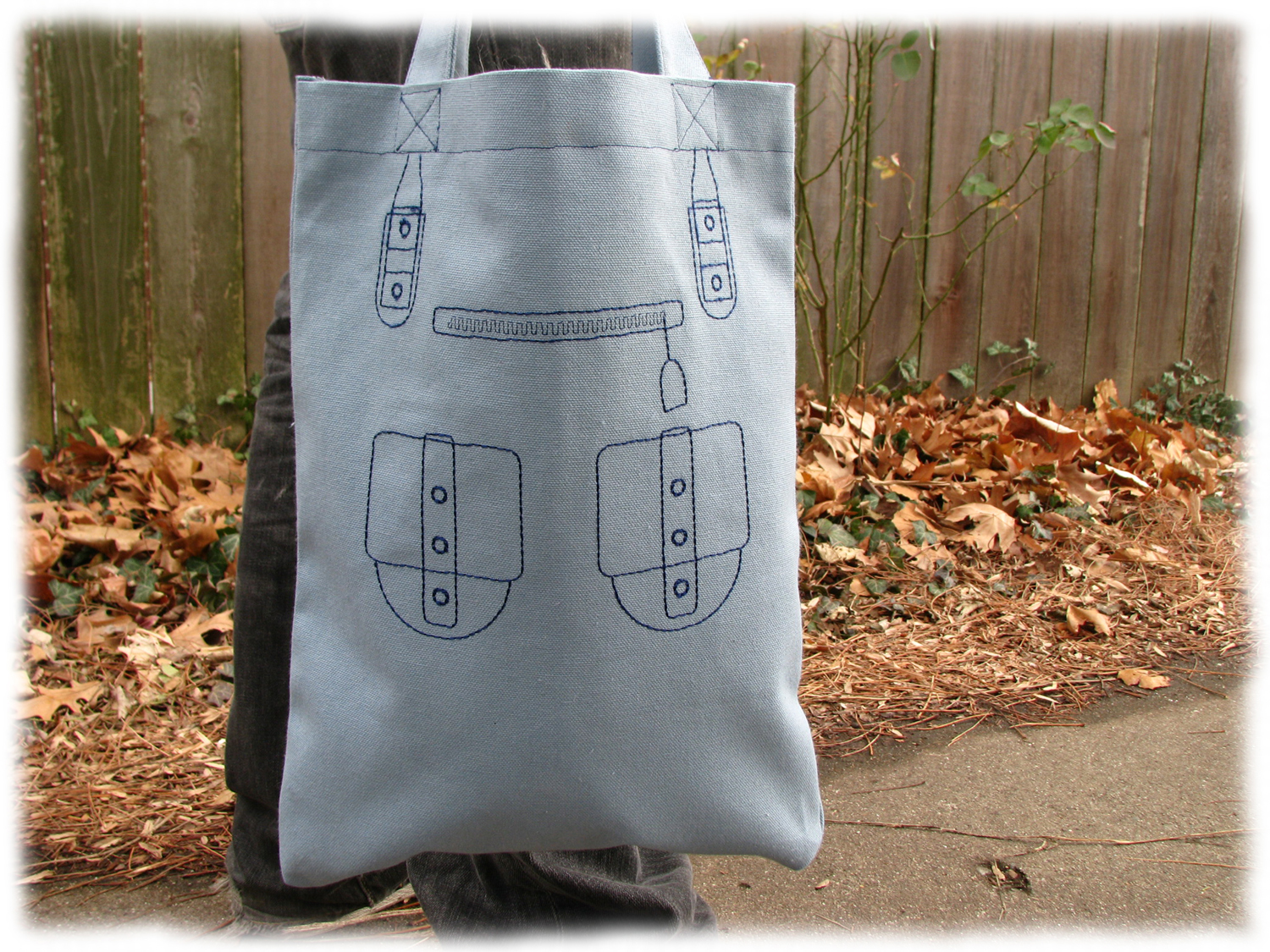 Free Machine Embroidery Linework Handbag For Canvas Totes As Seen In