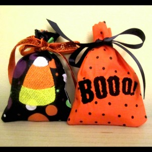 Easy In The Hoop Halloween Treat Bags Boo and Candy Corn Two Pack