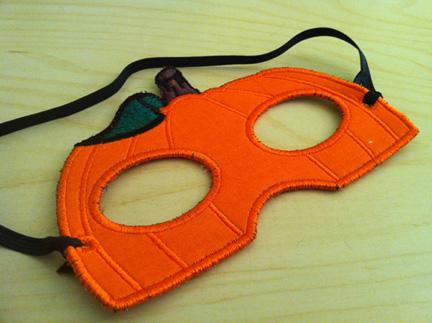 In The Hoop Machine Embroidery Pumpkin Mask